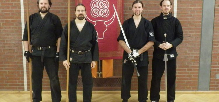 Graduierungsprüfungen im Schwertkampf